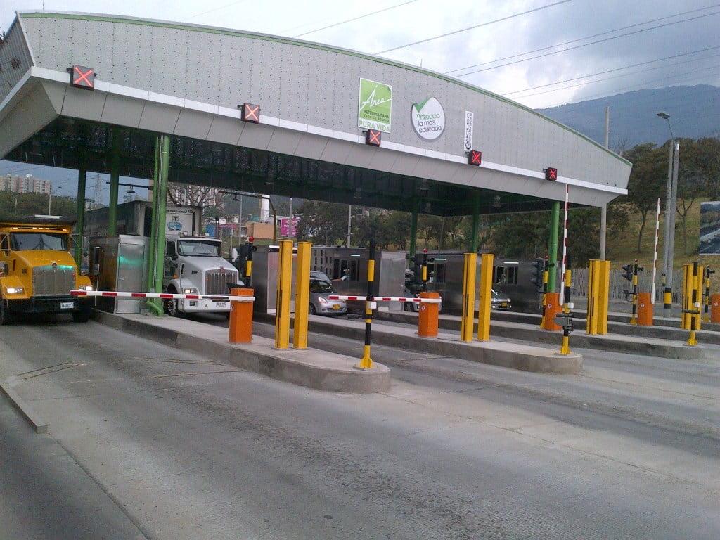 Todos los peajes en Colombia serán electrónicos