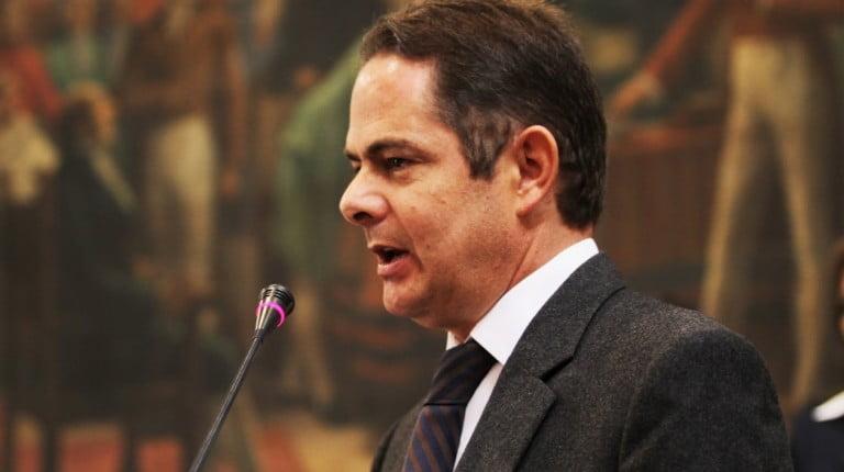 """Vargas Lleras pidió las """"cabezas"""" de viceministros Nates y Martínez"""