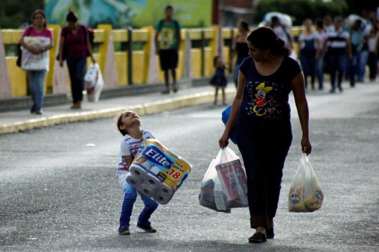 Productos de la canasta básica familiar escasean en Venezuela