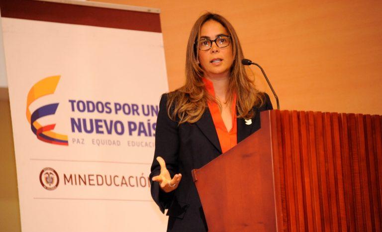 Gina Parody hará campaña por el Sí y se retira por 5 semanas del Ministerio de Educación