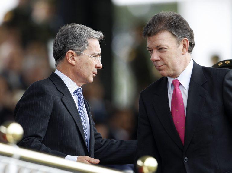 Uribe reta al presidente Santos a un debate sobre el plebiscito