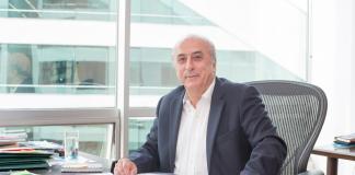 Rafael Aubad en escritorio Proantioquia