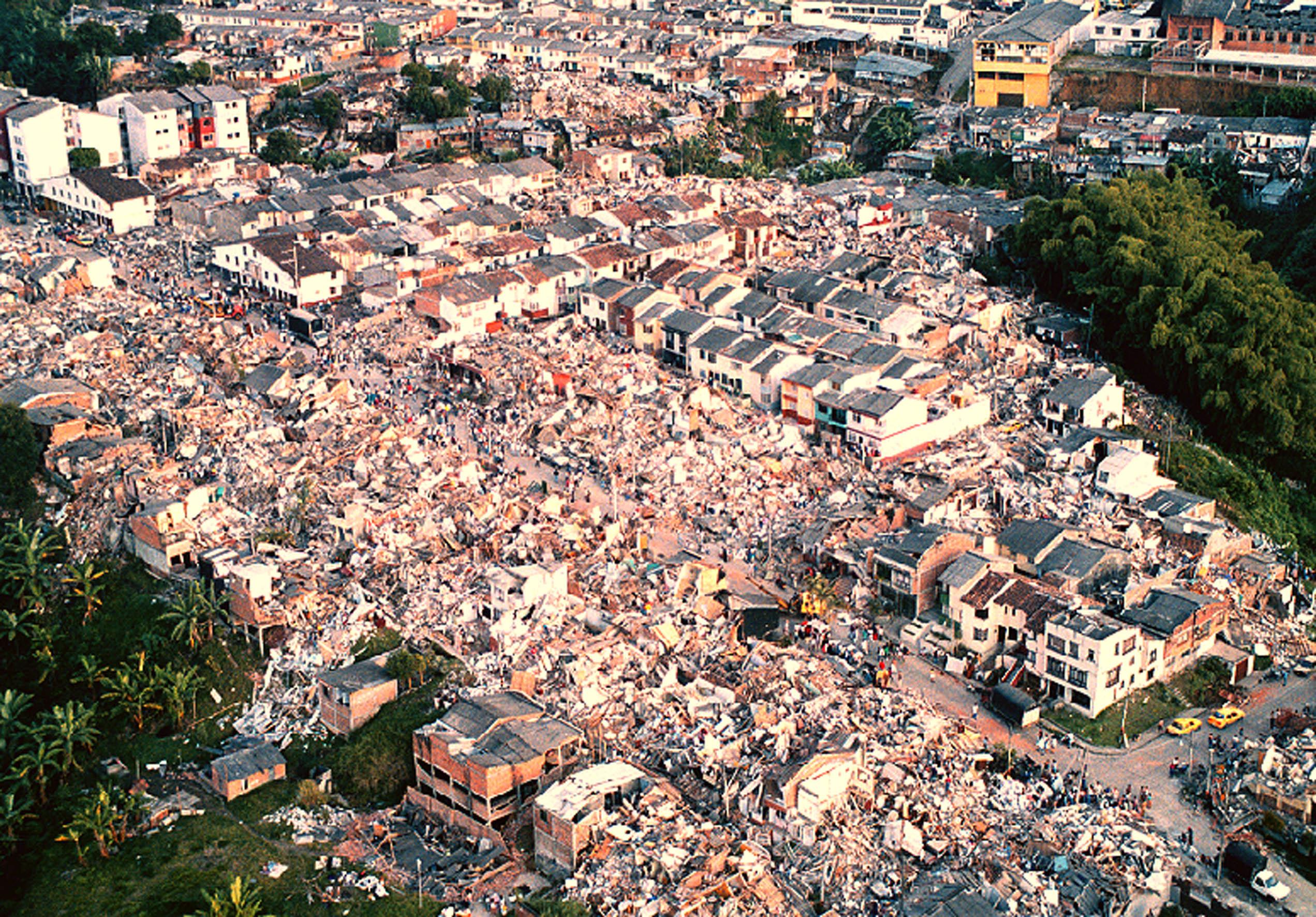 Fotos del terremoto en armenia colombia 54