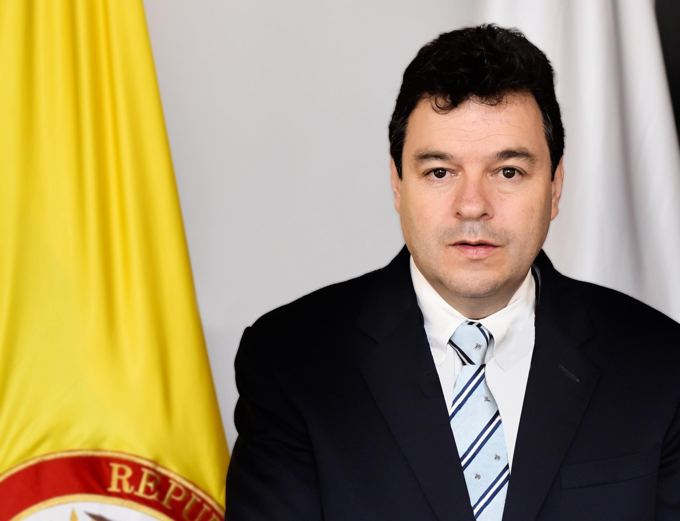 Hay riesgo electoral en 287 municipios: Defensor del Pueblo
