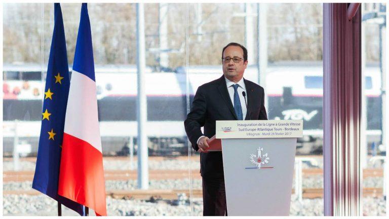Susto durante discurso de François Hollande