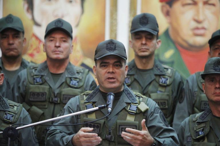 Padrino López traicionó a Guaidó: primo del ministro de Defensa