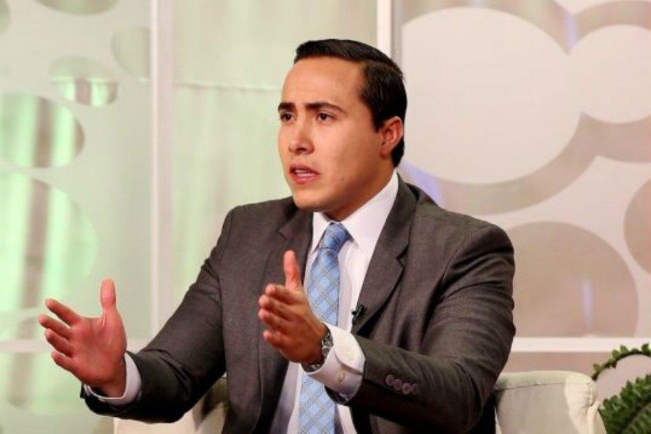 Destituyen e inhabilitan por ocho meses al exgobernador Richard Aguilar