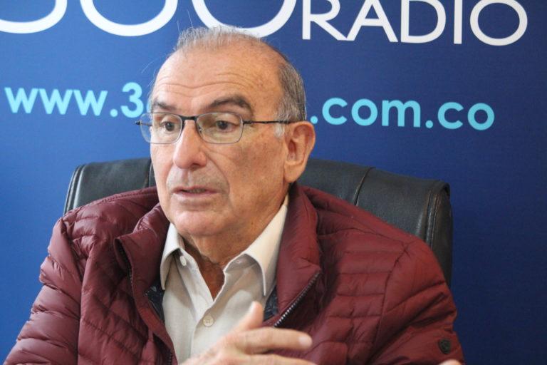 """""""Tengo experiencia en resolver grandes problemas"""", Humberto de la Calle"""