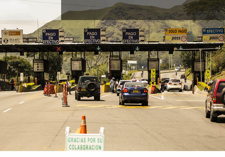 Cobrar peajes y rodamiento a motociclistas, las propuestas del gobernador de Antioquia