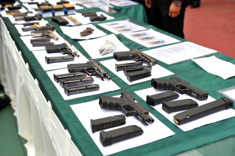 DIAN y Policía Fiscal y Aduanera incautaron cargamento de armas procedente de Estados Unidos