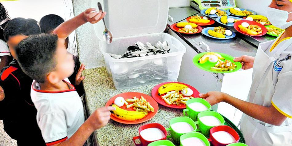 Estudiantes beneficiarios del PAE recibirán alimentos en sus casas