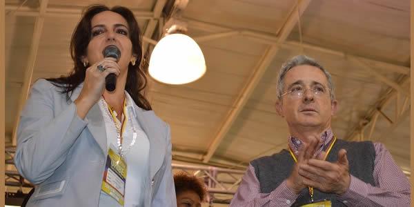 """""""¡Mis órdenes son las órdenes de Uribe!"""". Acusan a Cabal de pedir así información en MinTransporte"""
