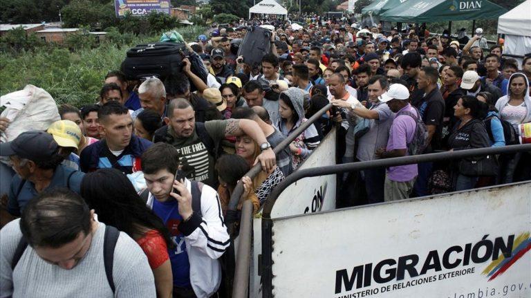 A diario ingresan a Colombia más de tres mil venezolanos