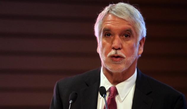 """""""Hay unos grupos politiqueros interesados en desestabilizar el país"""", Peñalosa"""