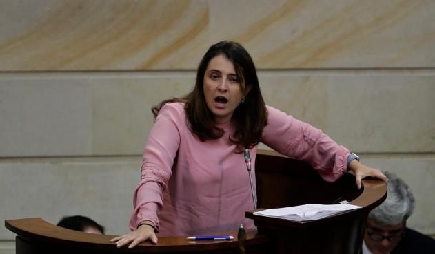 Paloma Valencia en desacuerdo con el apoyo de congresistas del CD a Zuluaga