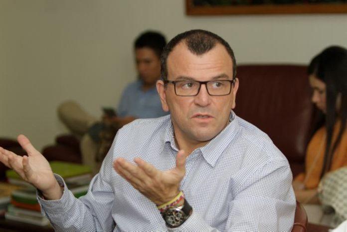Hernando Padauí Álvarez