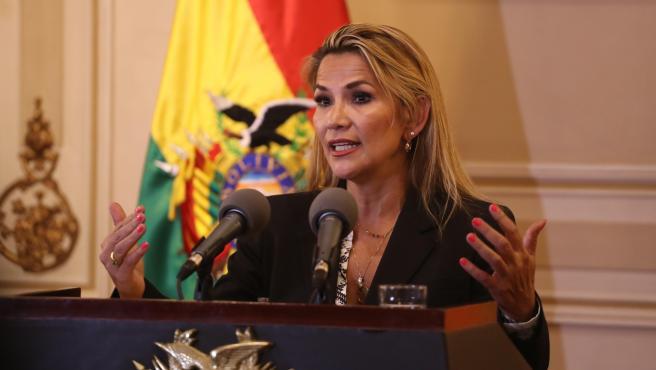 Ordenaron captura contra la expresidenta de Bolivia Jeanine Áñez