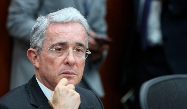 "Rechazan tutela con la que Uribe buscaba quitar condición de ""imputado"""