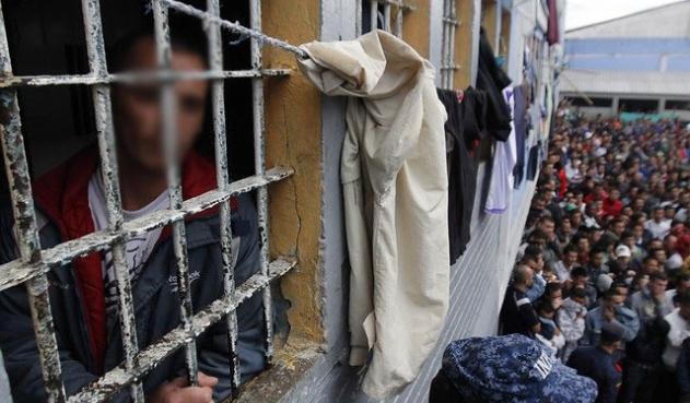 Defensoría del Pueblo alertó hacinamiento en 100 estaciones de policía