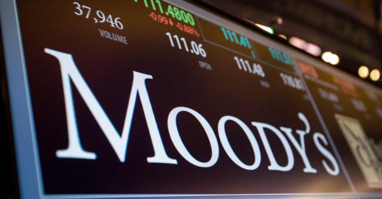Bancos colombianos mantendrán capitalización: Moody's