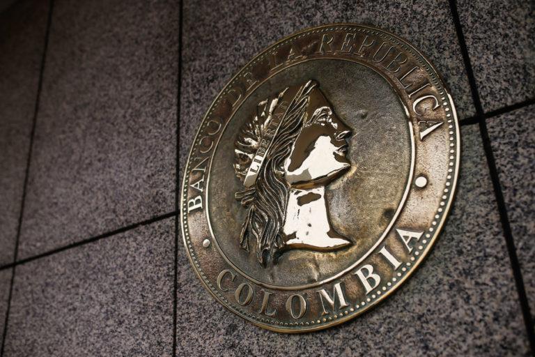 Gobierno hizo canje de deuda con el Banco de la República