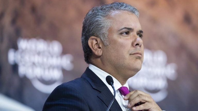 Duque debe abstenerse de dar opiniones en casos como el de Uribe: Tribunal de Cundinamarca