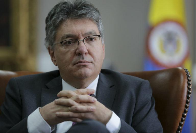Se debe flexibilizar el aislamiento: Mauricio Cárdenas