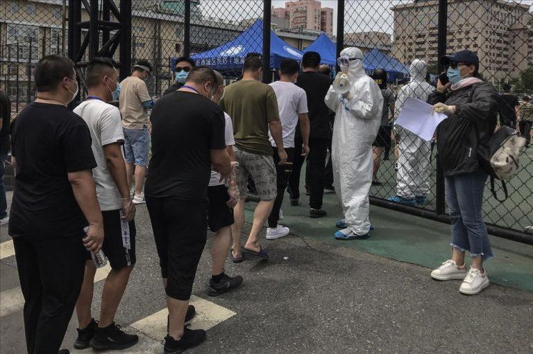 Continúa la alerta en Pekín por rebrote de coronavirus