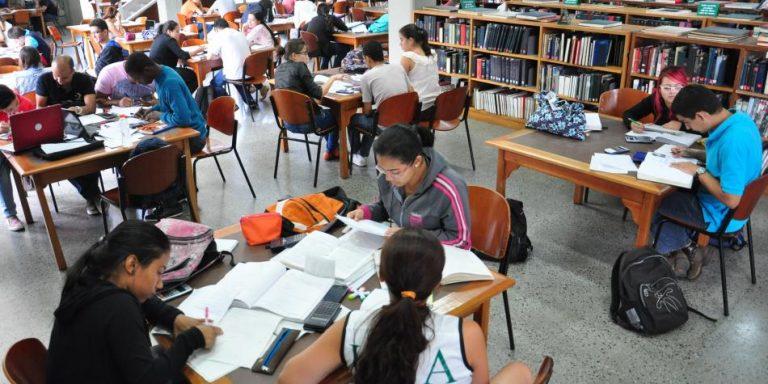 Crisis financiera en Antioquia no permite la matrícula cero