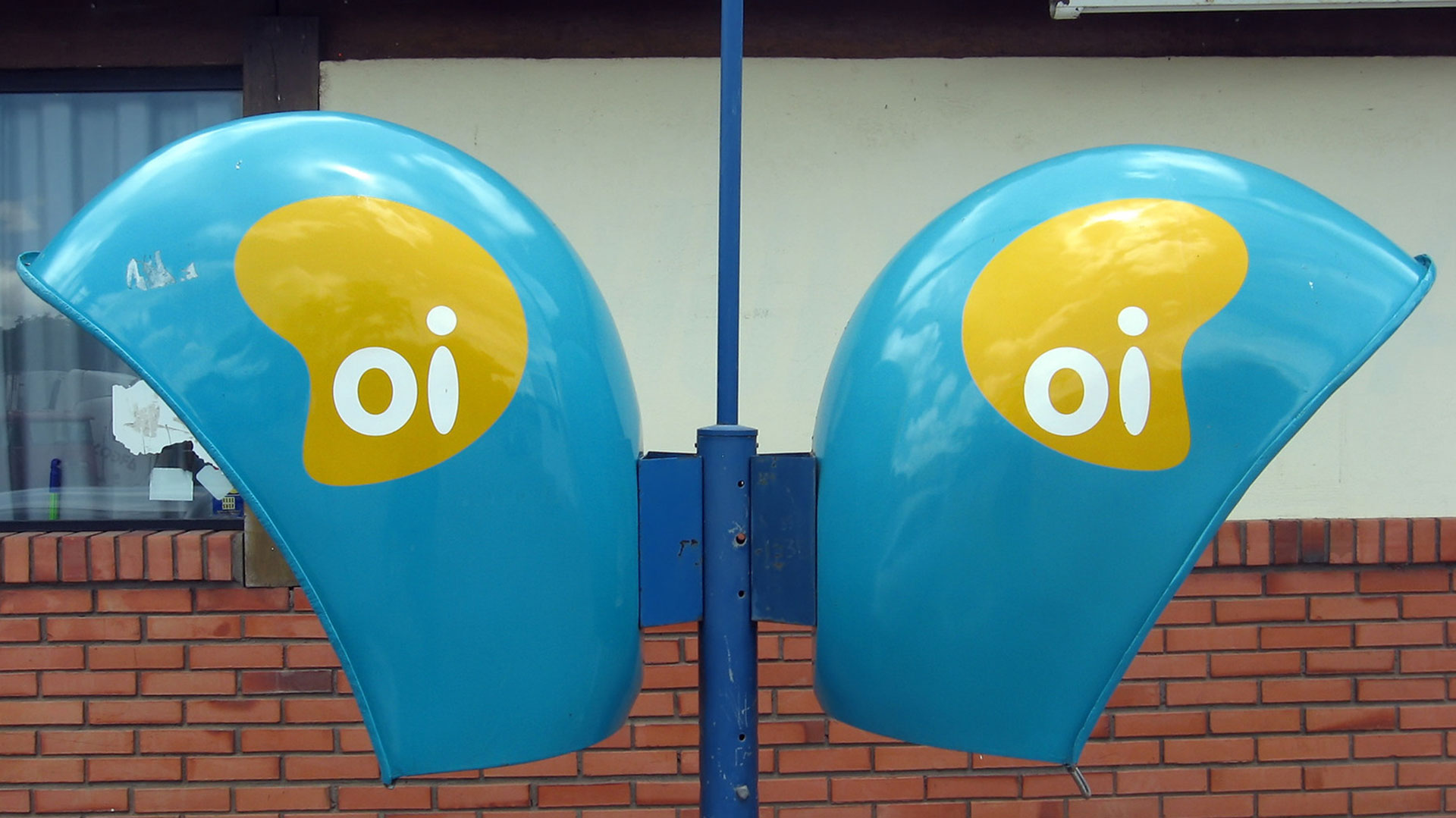 Telefónica, Telecom Italia y Claro ofertan por negocio móvil en ...