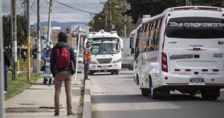 """Gobierno autorizó transporte terrestre en municipios """"No Covid"""""""