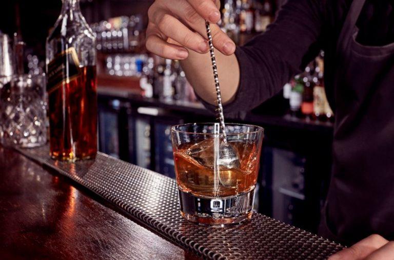 Comenzó el plan piloto para reapertura de bares en Bogotá