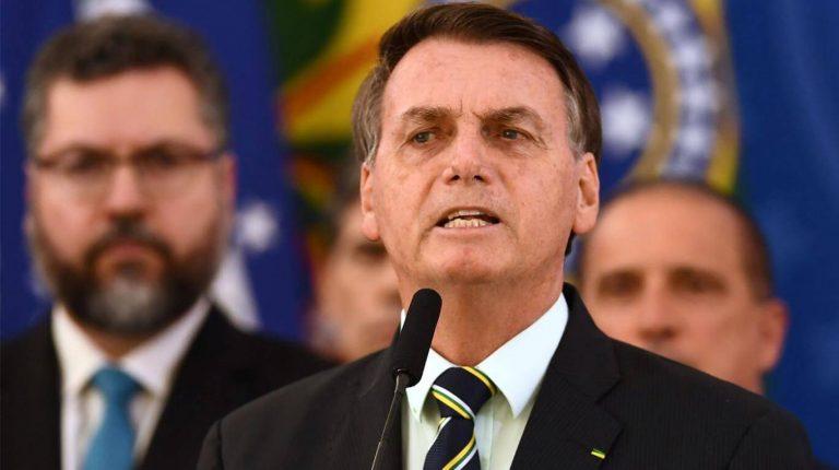 Bolsonaro promete vacunas para todos y confirmó la Copa América en Brasil