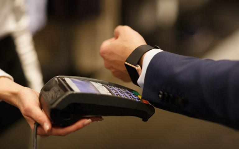 Con reloj inteligente, Bancolombia y MasterCard presentan el pago sin contacto