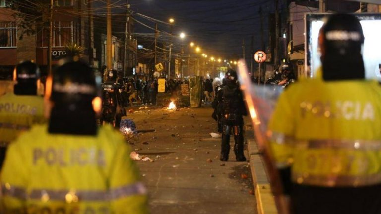 Por ley pretenden prohibir uso de armas de fuego en las protestas