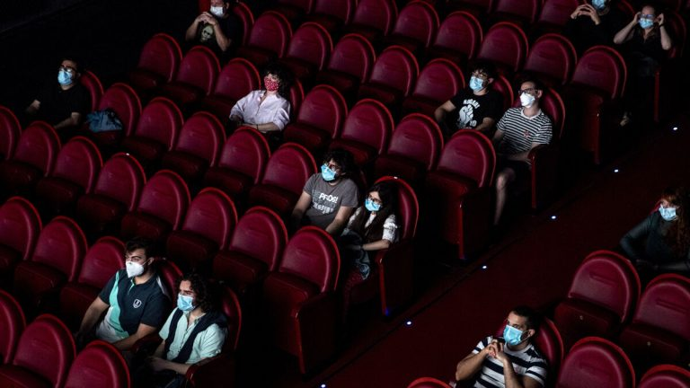 MinSalud expidió protocolo de bioseguridad para cines y teatros