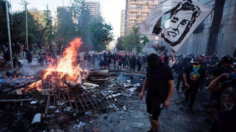 Protestas en Chile dejan más de 500 detenidos y un muerto