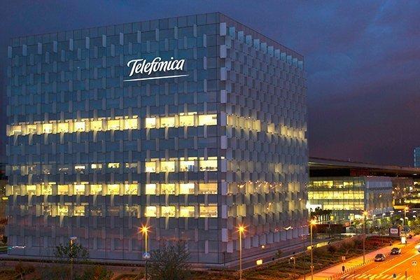 Filial de Telefónica y KKR llevará fibra óptica neutra a 90 ciudades