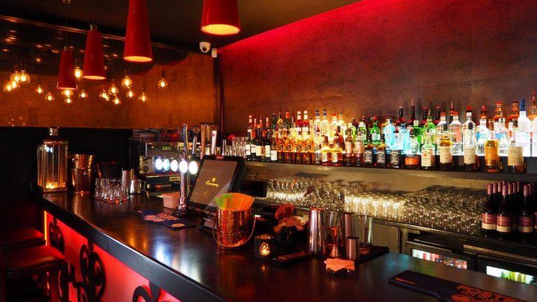 Es urgente abrir los bares en Bogotá: Asobares