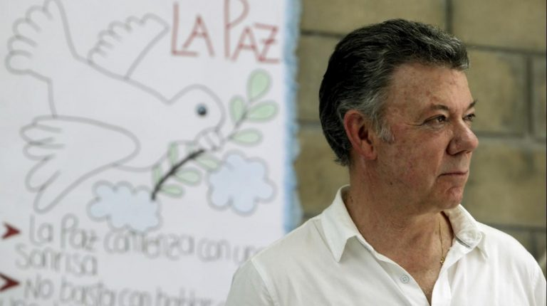 Comisión de Acusación y CNE archivaron investigación en contra de Santos por caso Odebrecht