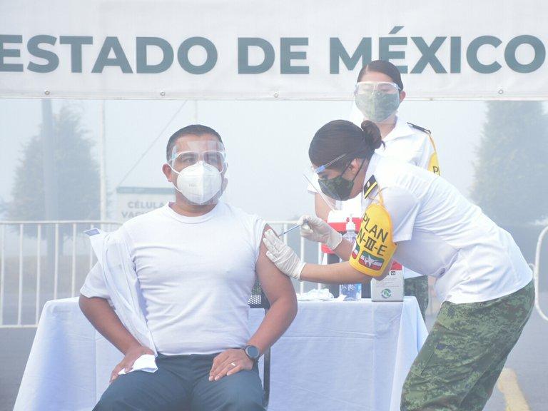 ¡Histórico! México es el primer país latinoamericano en iniciar vacunación contra el Covid-19