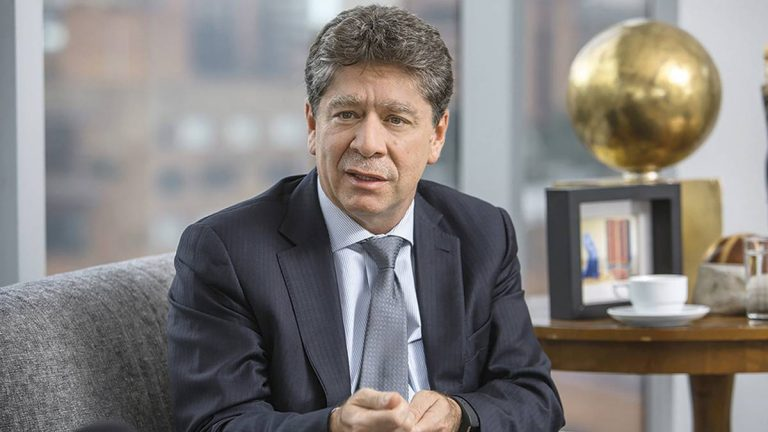 Economía de Colombia se recuperará totalmente entre 2025 y 2027