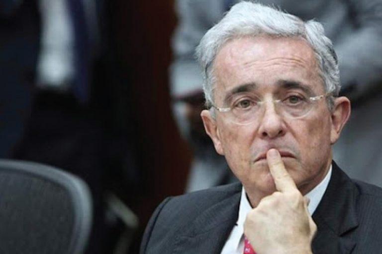 Fiscalía pide preclusión de la investigación a Uribe por presunta manipulación de testigos