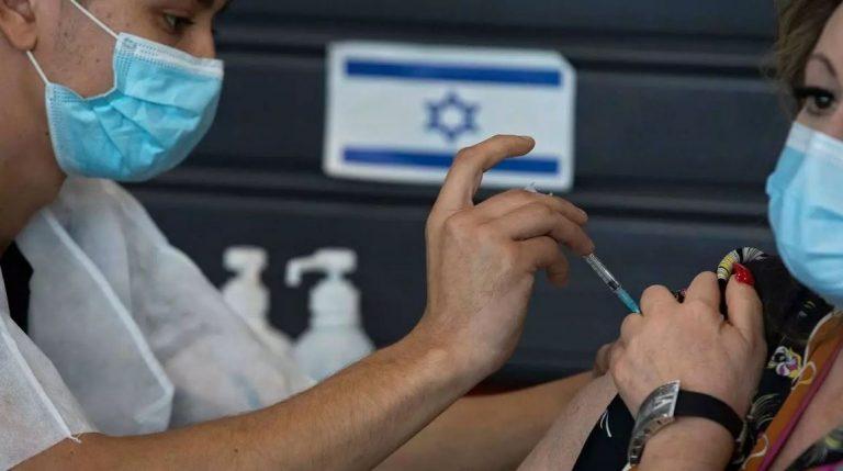 Israel vacunó el 90 % de su población mayor de 60 años