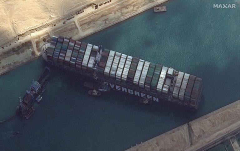 Golpe al comercio tras bloqueo del Canal Suez