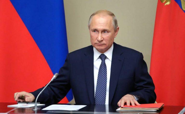 Putin firma ley para conservar el poder de Rusia hasta 2036