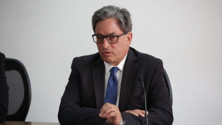 Confirman renuncia del ministro de Hacienda, Alberto Carrasquilla