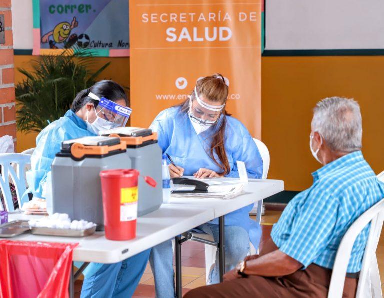 En Envigado hay 1.200 vacunas disponibles para mayores de 70 años