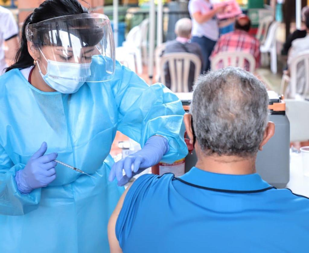 Exitosa jornada de vacunación masiva en Envigado (entrevista)