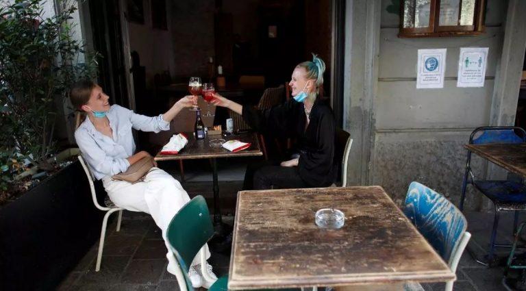 Reabrieron restaurantes, cines y museos en Italia